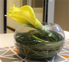 装饰花--黄色马蹄莲